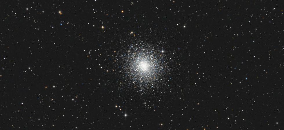 Messier 2 Kugelsternhaufen von Claus Müller, Fotografie mit Newton Teleskop