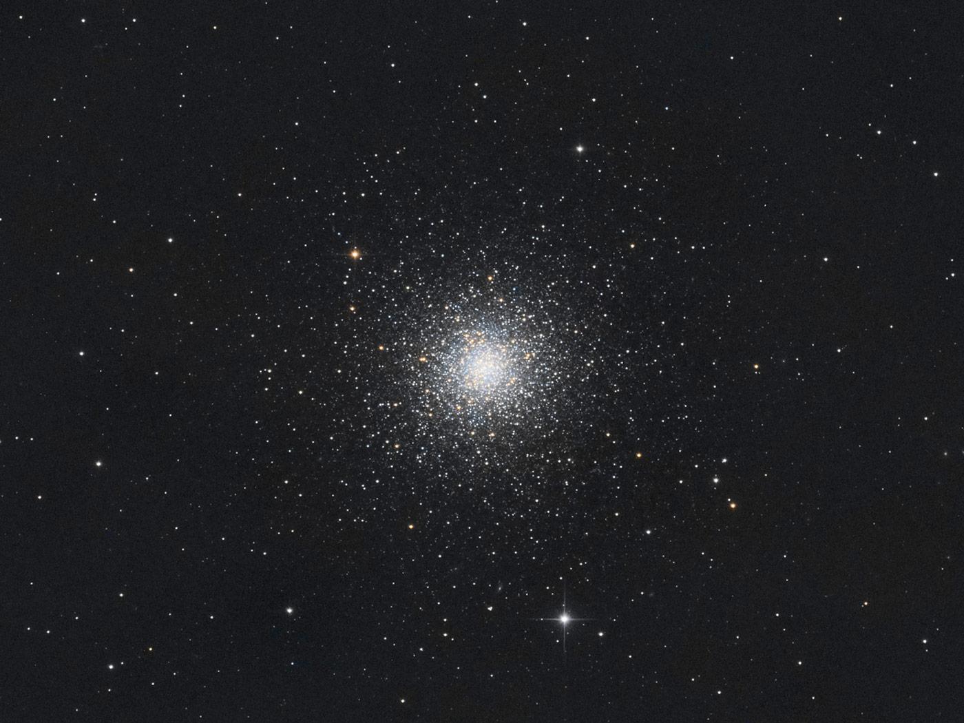 Messier 3 Kugelsternhaufen von Claus Müller